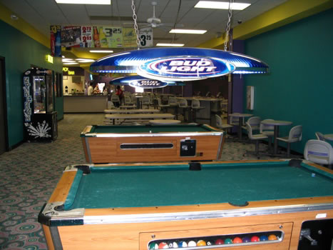 El Campo Bowling Center Strike Zone Sports Bar Shuffleboard Wide - El pool table
